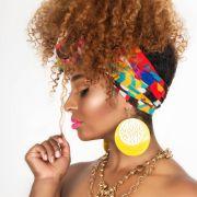 Coque abacaxi: veja 50 fotos do penteado para cabelos cacheados + passo a passo do estilo