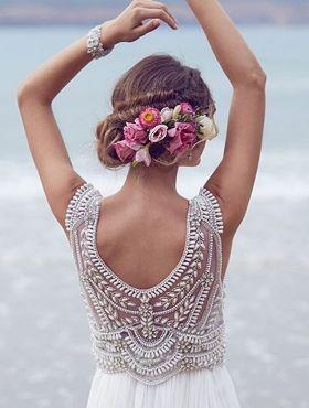 Penteados de noiva para casamentos durante o dia: confira 15 fotos para você se inspirar e escolher o modelo perfeito