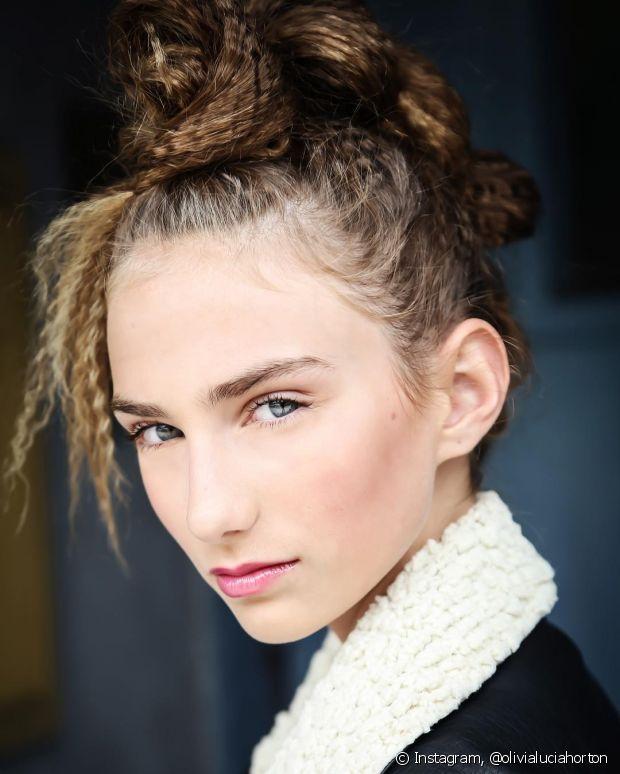 Você pode usar o efeito para complementar seu penteado preferido