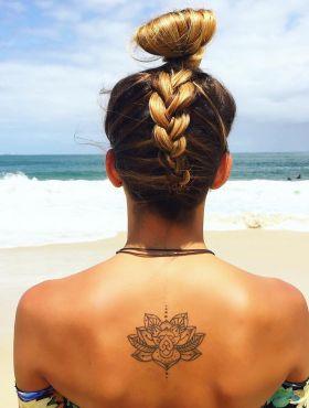 Coque no verão: 10 estilos do penteado para você se inspirar e arrasar na estação mais quente do ano!