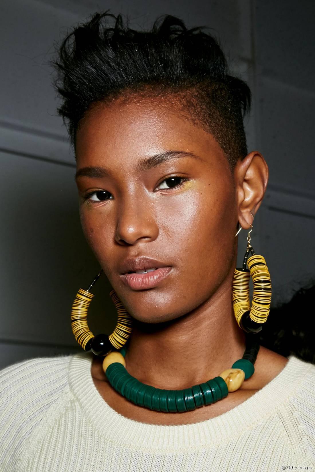 O corte de cabelo pixie cut pode assumir diversos formatos e se adaptar facilmente a todo tipo de fio. Além o corte é prático e sensual