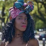 Turbantes para cabelo cacheado: veja como fazer + 50 fotos de inspiração para investir no acessório estiloso