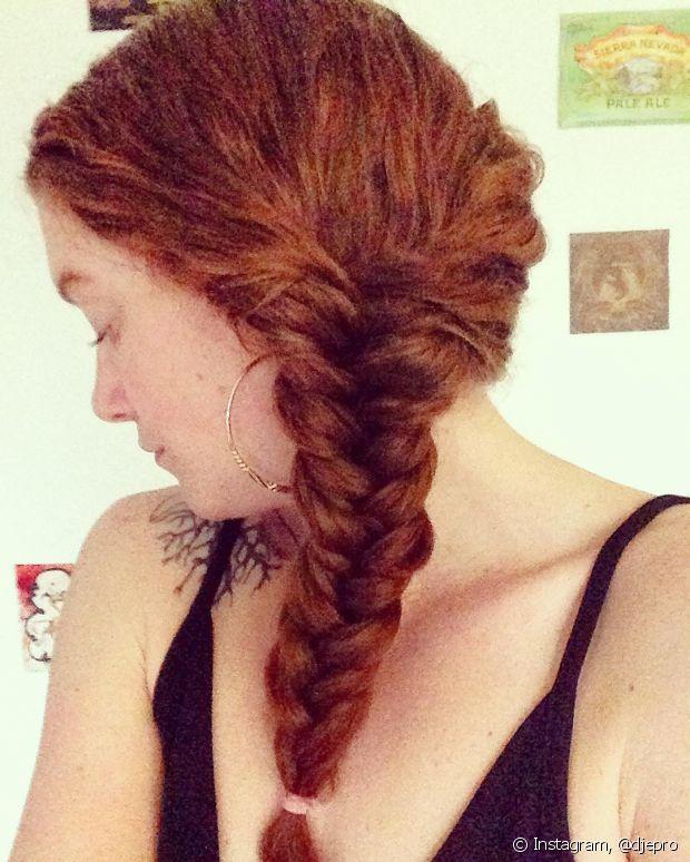 As tranças também podem ser feita em cabelos cacheados