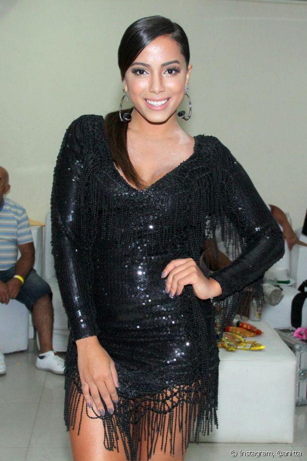 Olha a Anitta mais uma vez com brilho!