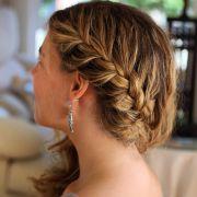 Cabelo solto com trança lateral: 10 fotos para você se inspirar nesse estilo