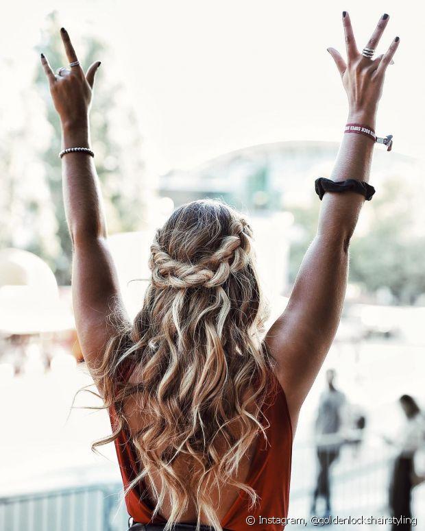 Ninguém merece produzir um penteado e ele desmanchar no meio do evento