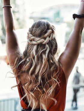 Como fazer o penteado durar mais tempo no cabelo?