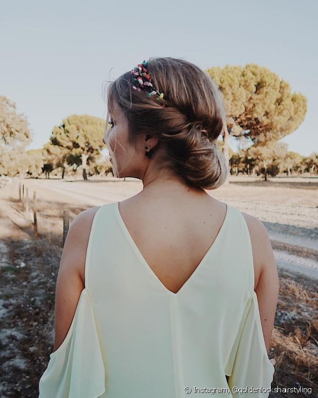 O spray fixador vai ajudar você a manter seu penteado alinhado até o fim do evento