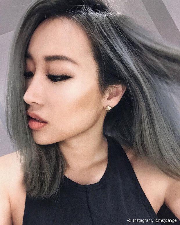 Use shampoo antirresíduo e vitamina C para acabar com o efeito chumbado do cabelo