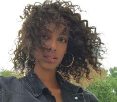 Na transição capilar, é preciso ficar atenta aos cuidados com os cabelos naturais