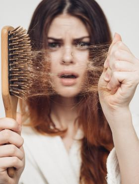 Meu cabelo está caindo muito, o que eu faço? Confira as dicas para fortalecer os cabelos