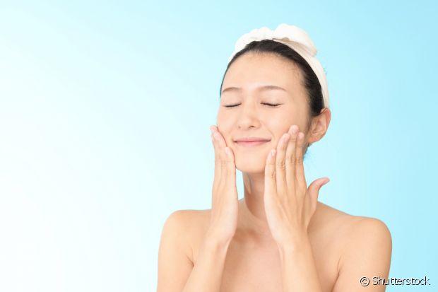 Os movimentos da massagem facial devem ser repetidos de três a quatro vezes