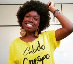 Thayná Alves atua no projeto África em Nós, que aborda questão como racismo, cultura negra e empoderamento