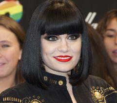 A cantora Jessie J usou o visual com a franjinha durante um bom tempo
