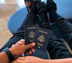 Nas viagens em casal procure deixar cada um com a sua bagunça ao desfazer as malas. Essa dica vai fazer toda diferença