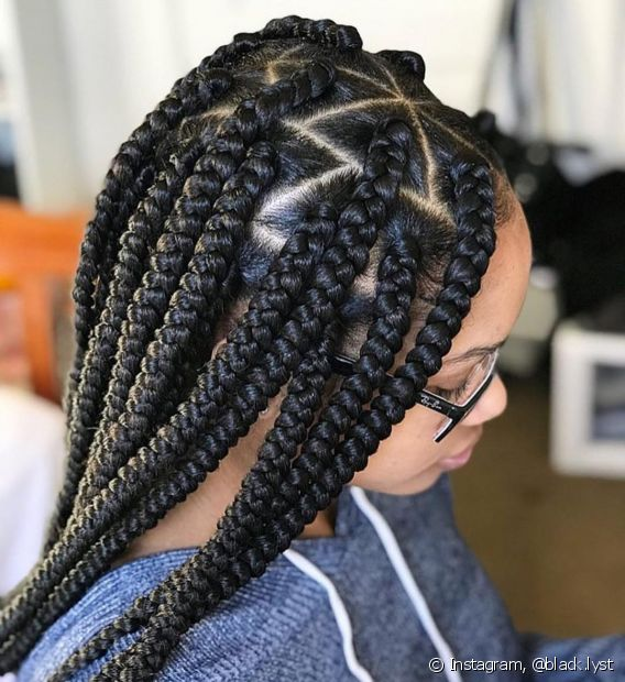 Antes de trançar os cabelos, cuide bem dos seus fios naturais com hidratação ou reconstrução, se precisar