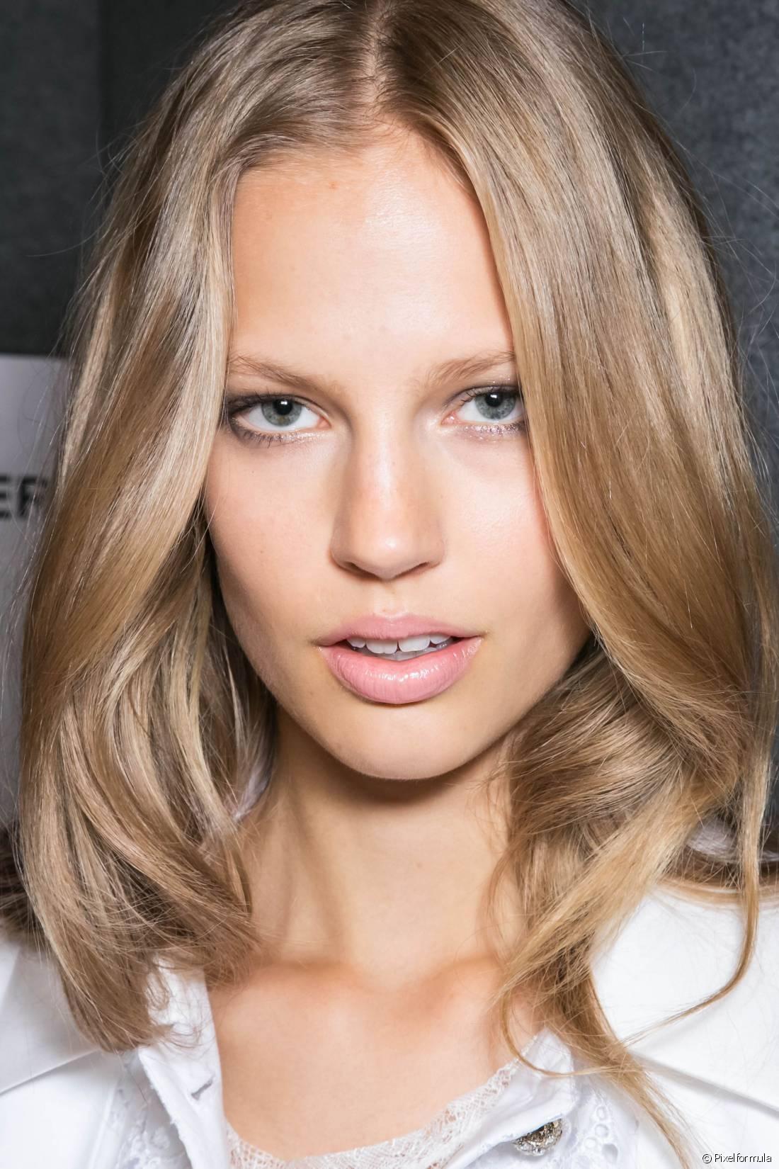 Quando decidimos colorir o cabelo de loiro sempre vem a preocupação de como os fios vão ficar depois do novo visual