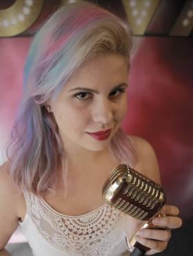Estudante Louise Braz conta como deu a volta por cima no Rock in Rio: 'Música foi fundamental'
