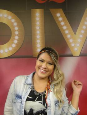 Youtuber Patrícia Suguino dá dicas para quem colore o cabelo em casa: 'Investir em reconstrução'