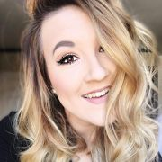 Umectação reversa: aprenda o passo a passo da técnica para nutrir os cabelos ressecados