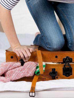 Como arrumar a mala para caber mais coisas? Dicas de arrumação para otimizar o espaço