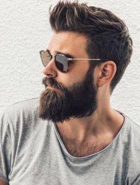 Cabelo masculino: dicas para os fios crescerem mais fortes e saudáveis