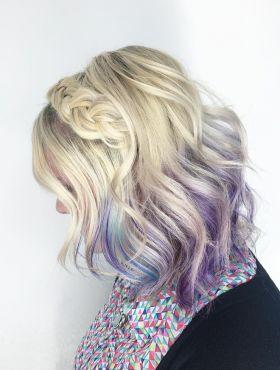 Tiara de trança com franja solta: aprenda o passo a passo para fazer o penteado romântico