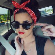 Lenço na cabeça: veja 50 fotos de como usar o acessório no cabelo e inspire-se!
