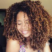 Cortes de cabelo feminino: 70 fotos de estilos em camadas, long bob, pixie, reto, desfiado, chanel, swag, bob hair e outros para se inspirar!
