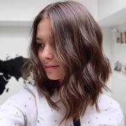 Sou baixinha, qual o melhor corte de cabelo para mim? Confira os estilos ideais para mulheres com essa estatura