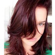 Fernanda Souza está ruiva! Atriz pinta o cabelo com 6.56 Vinho Marsala, nova cor de Brilho&Ton: 'Realizei meu desejo'