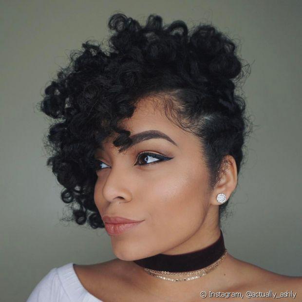 Penteado Para Cabelo Cacheado Curto Para Mulheres