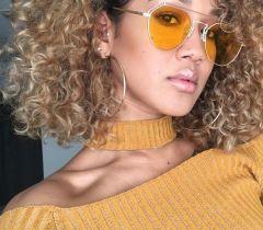 A queratina líquida tem como principal objetivo repor as proteínas do cabelo, reparando danos causados por químicas