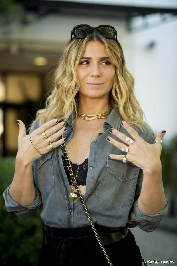 Giovanna Antonelli também precisou do megahair para aumentar os cabelos da personagem Atena em 'A Regra do Jogo'