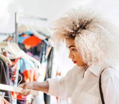 Qualquer processo que envolva um desgate muito grande dos fios, gera um certo medo dos cabelos ficarem muito danificados após a descoloração