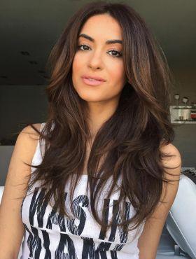 Como cuidar do cabelo castanho no verão? Confira as dicas para manter o brilho e evitar os reflexos avermelhados