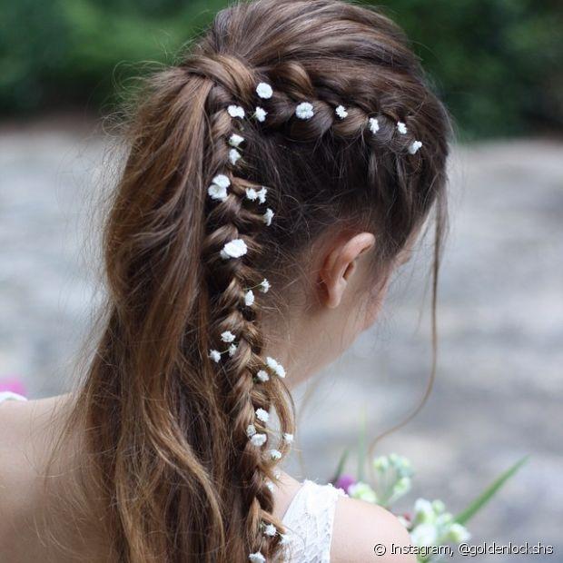Você deixar o penteado mais romântico com a ajuda de acessórios