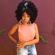 Luany Cristina, do blog Diva do Black, conta como foi sua transição capilar e a decisão de fazer o Big Chop. Assista ao vídeo!