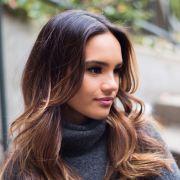 Como clarear o cabelo naturalmente? Conheça duas receitas caseiras para deixar os fios mais claros