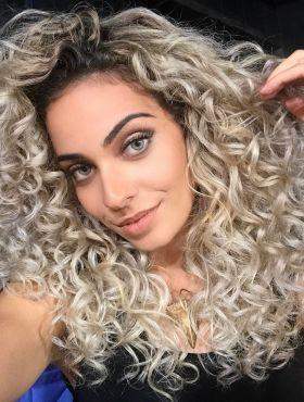 #EntreCachos: Jéssica Dantas, do blog Fala Dantas, responde perguntas sobre cabelo cacheado. Veja o vídeo!