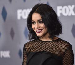Uma das marcas registradas da atriz Vanessa Hudgens são seus cabelos com a tonalidade escura