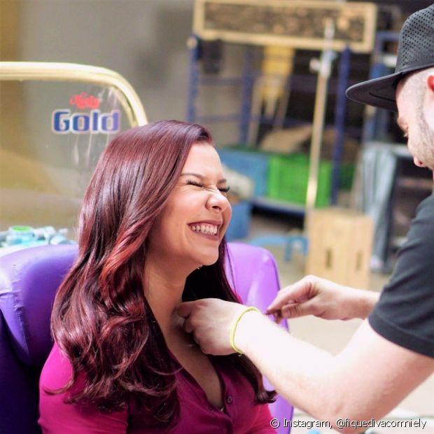 Junto com Bianca Andrade e Thaynara OG, Fernanda Souza brilhou na campanha de Mega Brilho