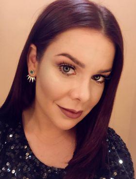 Parabéns, Fernanda Souza! Confira as mudanças de cabelo e os melhores momentos da diva