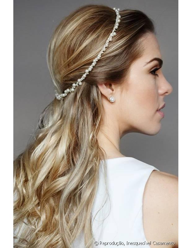 Fabuloso Penteados para noivas: 20 estilos com cabelos presos e soltos para  IN41