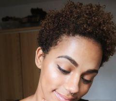 Cronogramas capilares sempre são essenciais para manter sempre os cabelos hidratados e brilhosos