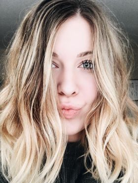 Argila no cabelo: saiba para que serve o produto e conheça os benefícios do tratamento para os fios
