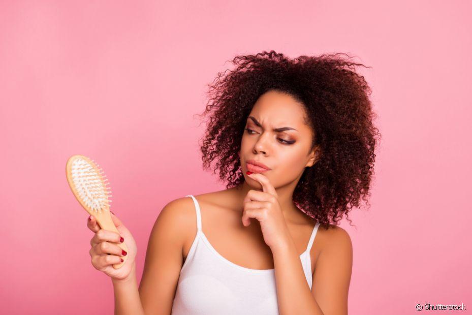 A dor no couro cabeludo pode ser causada por diferentes fatores, desde a forma como você prende seus fios até o ressecamento das madeixas