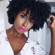 Hidratação com azeite para cabelos cacheados: aprenda o passo a passo do tratamento perfeito para fios secos