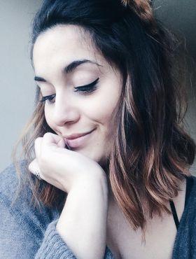 Ombré hair em cabelos escuros: aposte nas mechas para iluminar o visual sem mudar totalmente a cor dos fios