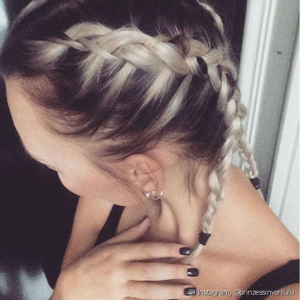 No cabelo curto, o modelo fica lindo da mesma forma e pode ser feito do mesmo jeito que é trançada nos fios mais compridos! Não há diferença na técnica